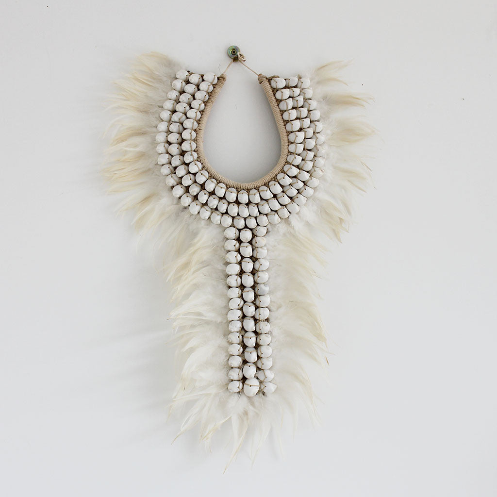 Shell/feather necklace white/cream long