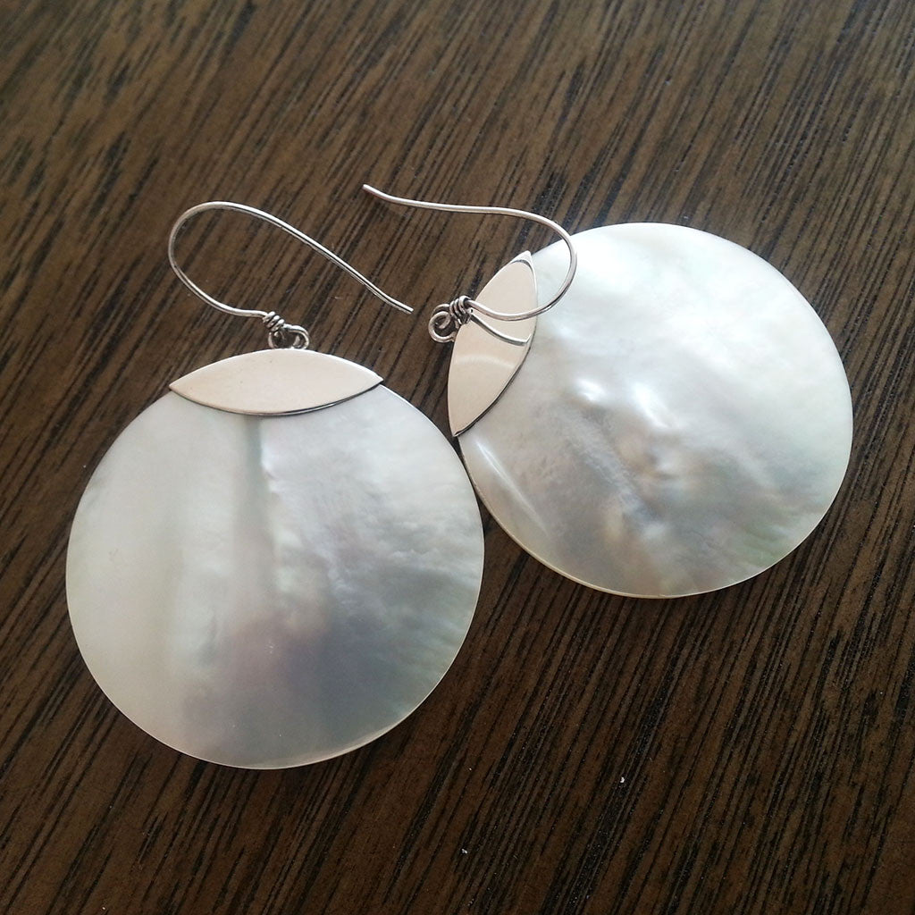 Mother of Pearl/925 sterling silver round earring large