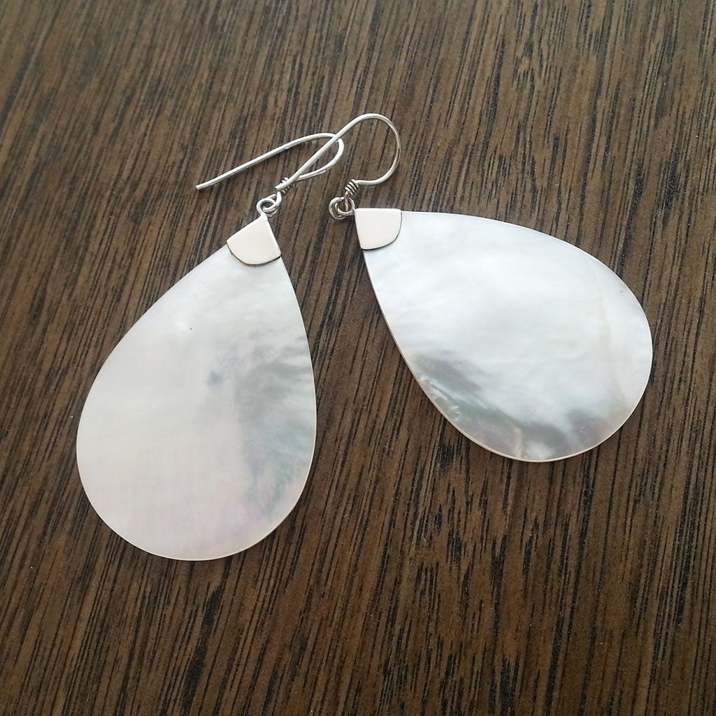Mother of Pearl/925 sterling silver tear drop earring large