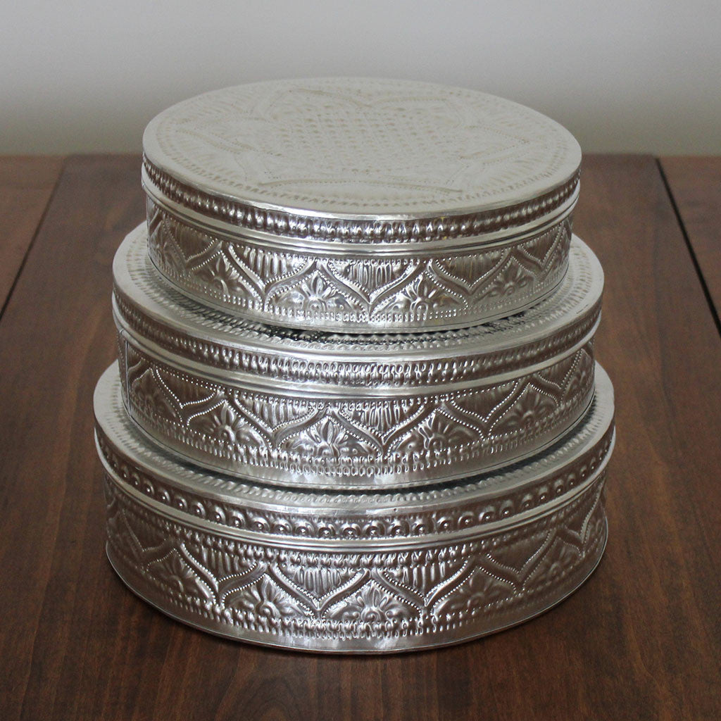 Round embossed aluminium boxes large