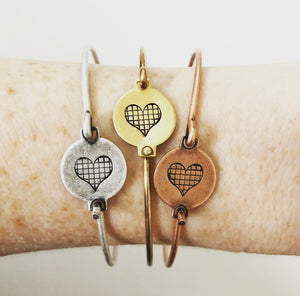 Petite Grid Heart Bangle