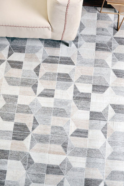 cassian wool rug in pearl and grey color
