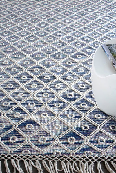 cuffley PET rug in ivory and blue color