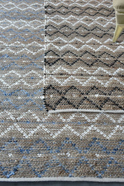 dahila viscose rug in blue and ivory color