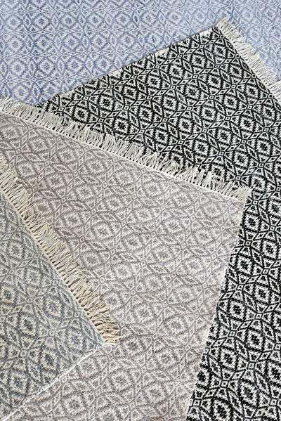 maderia PET rug in grey  color