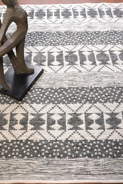 zambezi PET rug in charcoal and ivory color