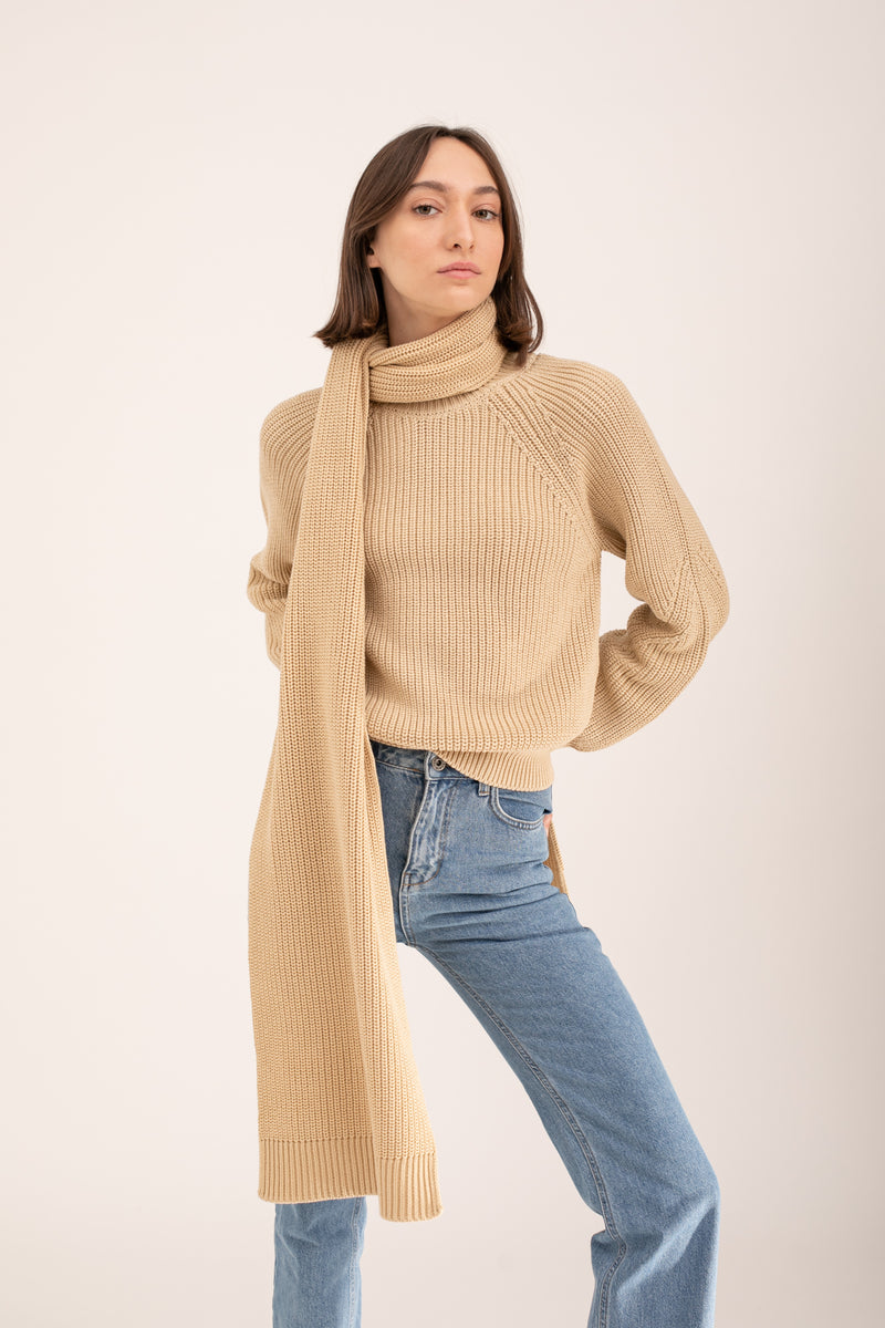 Beige knitted scarf