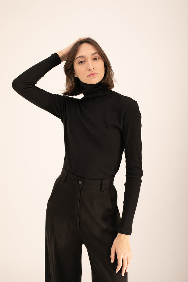 Black Jill Turtle Neck