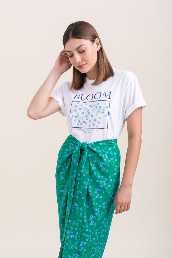 White Bloom T