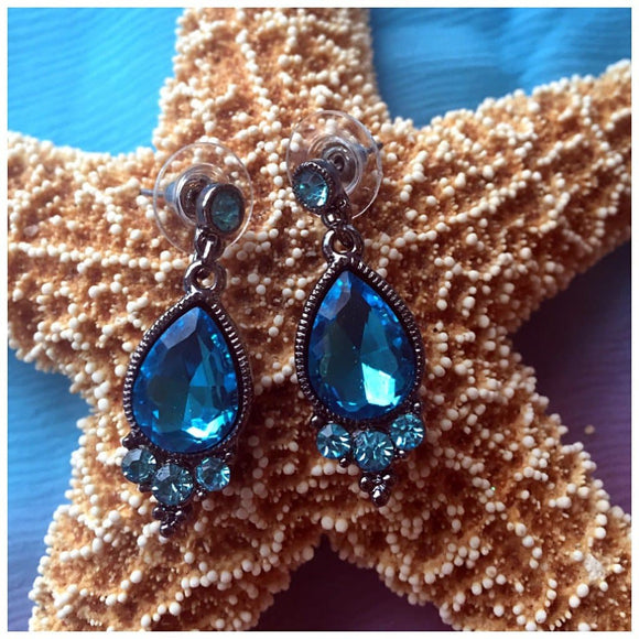 Topaz Gemstone Fashion Earrings - The House of Awareness