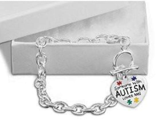 Someone with Autism Loves Me Chunky Charm Bracelet - The House of Awareness