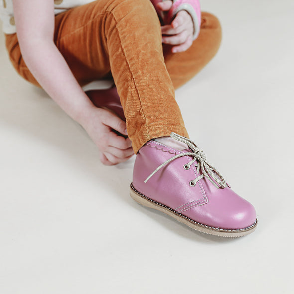 the hard soled oxford: mauve (with scallop)