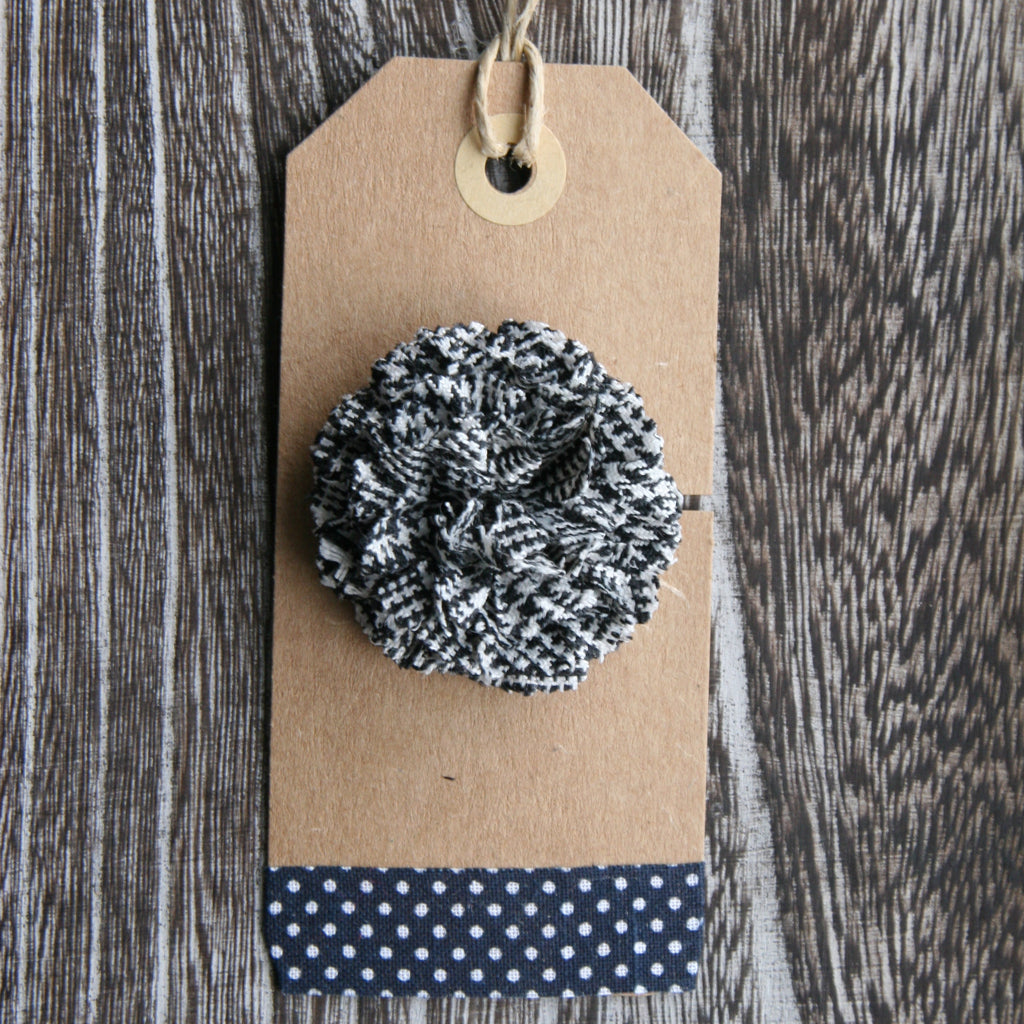 Mini Houndstooth Boutonniere