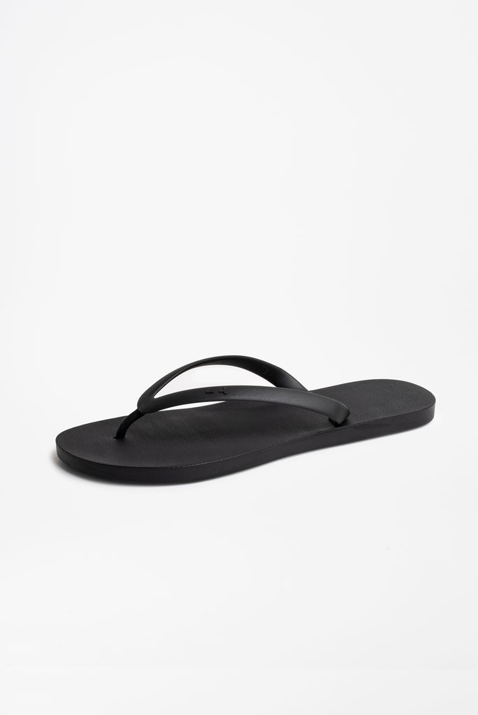 Men's black flip flops that are made in America