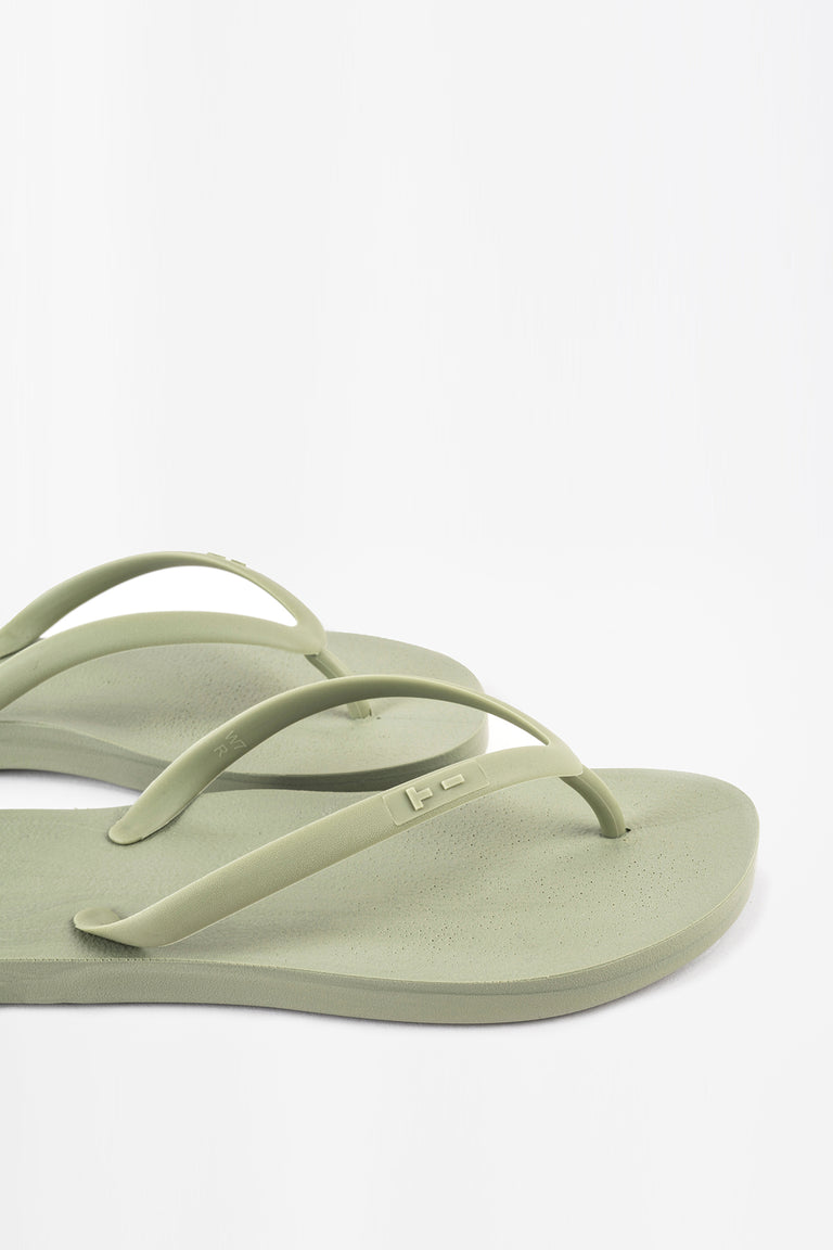 Sustainably made flip flops for women