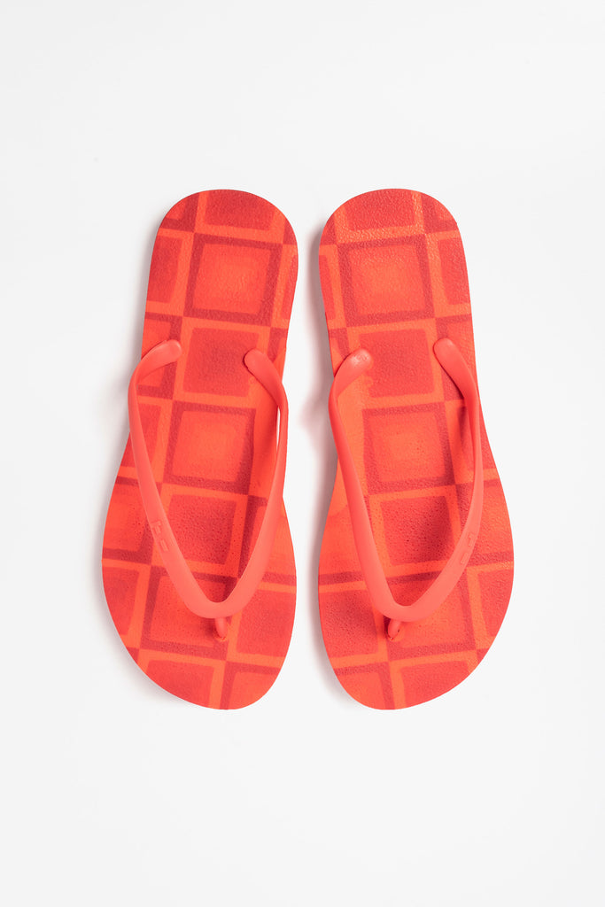 Womens flip-flops in red and orange print