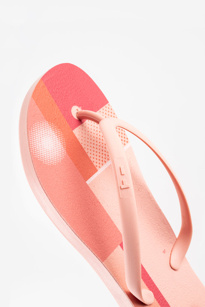 Color block flip flops for women in pink, red and orange