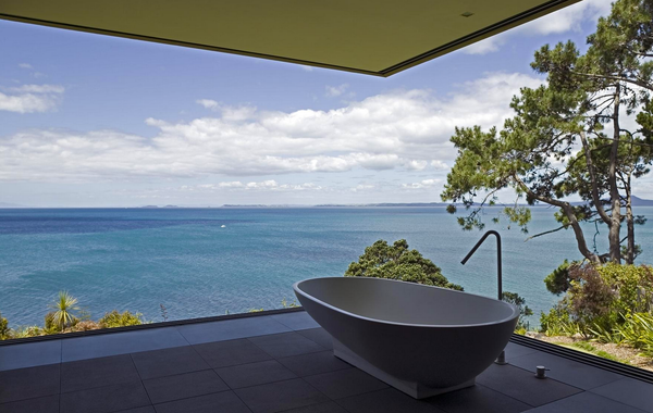 27 luxurious bathtubs around the world!