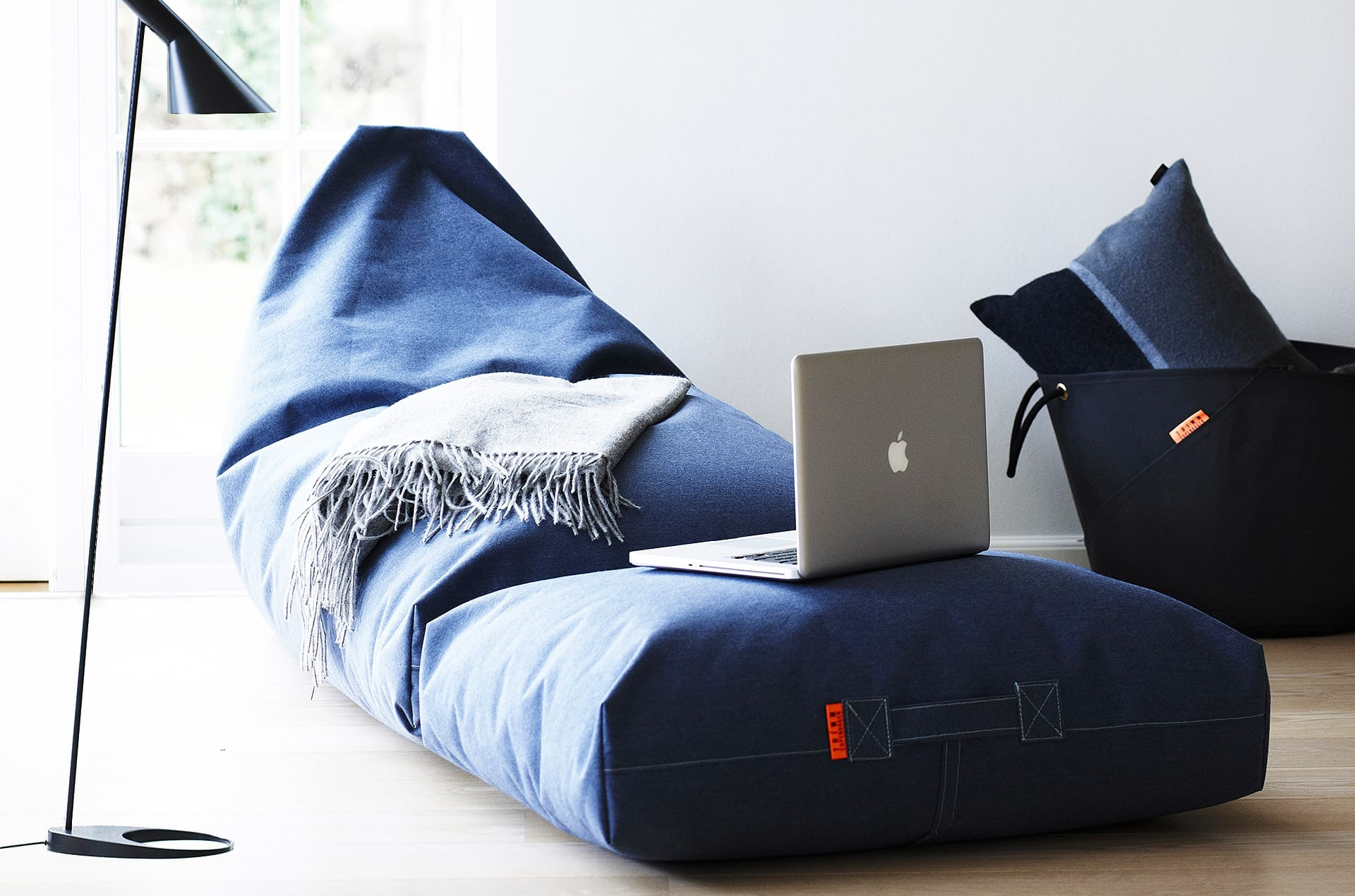Coussin de sol waterproof FELIX Jeans by Trimm-PARIDEO design contemporain durable