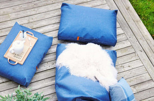 Coussin de luxe waterproof FELIX Jeans by Trimm-ambiance2-PARIDEO design contemporain durable