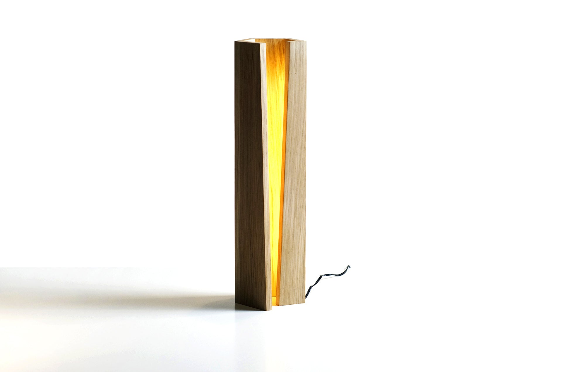 Lampe de table, Elagone chêne by Elomax | PARIDEO design durable