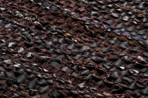 Tapis brun choco 100% cuir recyclé by Rugsolid-detail-PARIDEO design contemporain durable