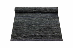 Tapis gris foncé 100% cuir recyclé by Rugsolid-PARIDEO design contemporain durable