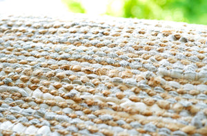 Tapis smooth grey 100% jute-cuir recyclé by Rugsolid-detail-PARIDEO design contemporain durable