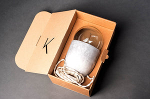 lampe de table Coco Béton Clair by Mickaël Koska-packaging-sur PARIDEO design durable