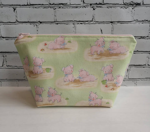 Cute Pig Makeup Bag, Pig Cosmetic Pouch - The Curious Needle