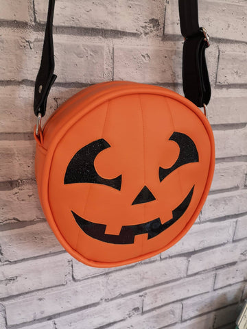 Pumpkin Cross Body Bag, Halloween Handbag, Pumpkin Purse - The Curious Needle