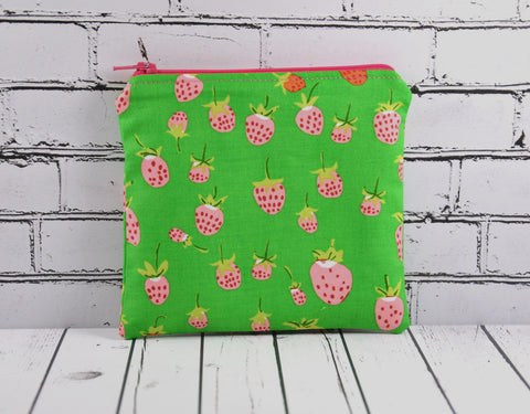 Strawberry Coin Purse - The Curious Needle