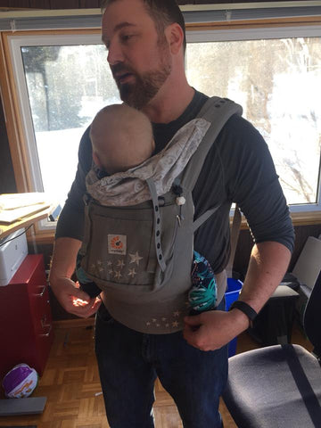 Front Carry Ergo Baby buckle Carrier