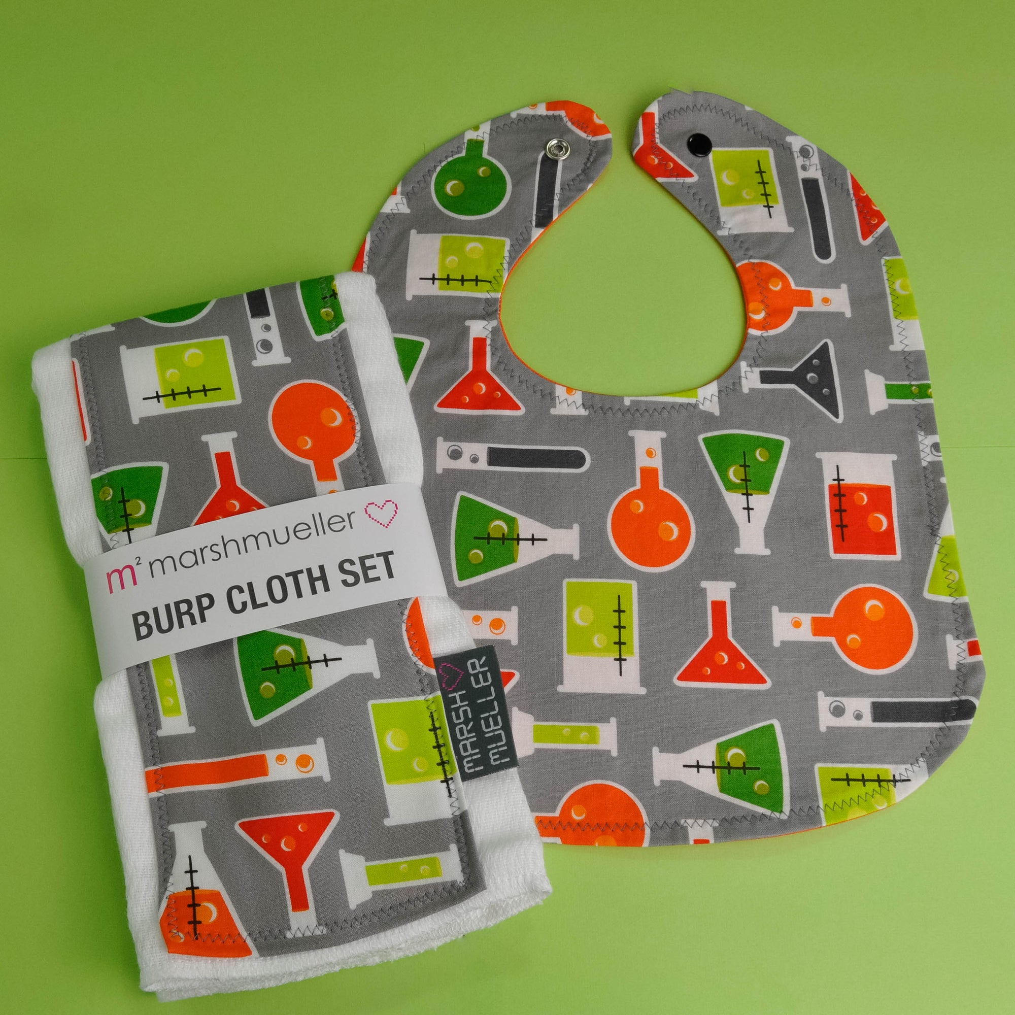 Beakers Bib and Burp Cloth Bundle