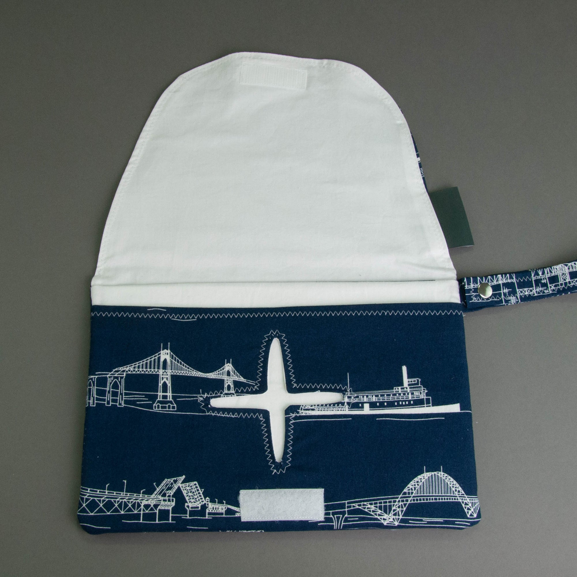 Navy Bridgetown Diaper + Wipe Clutch