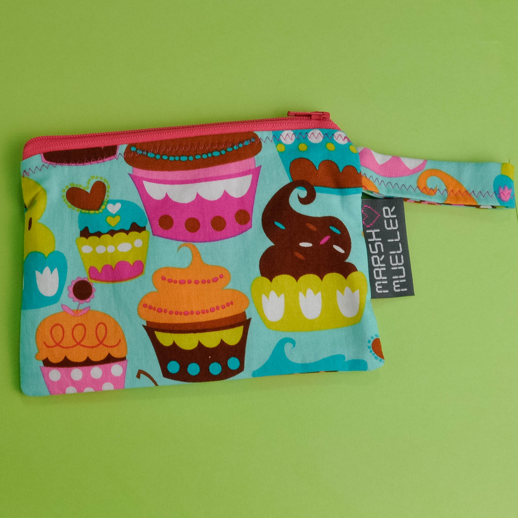 Sweet Cuppin' Cakes Reusable Snack Bag