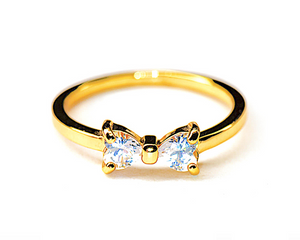 Rhinestone Bow Ring in Gold