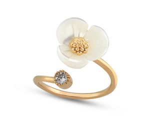 White Shell Flower Ring in Gold