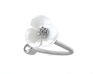 White Shell Flower Ring in Silver