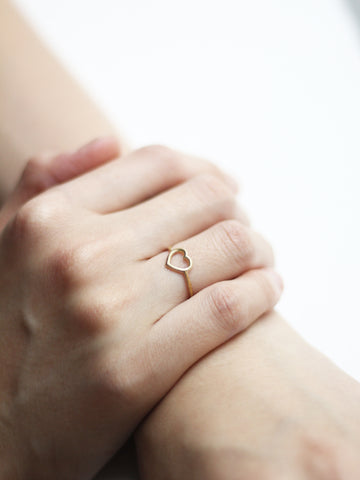 LOVE STRUCK HEART Ring 16.8k Yellow Gold Dip
