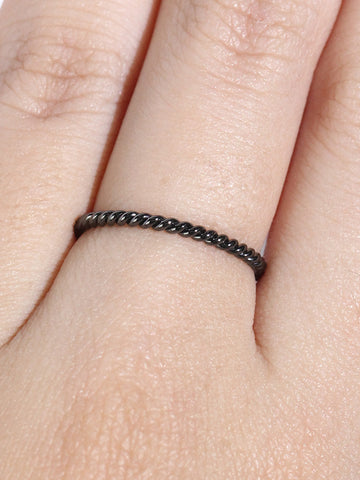 KNOTTED TWIST STACKER Ring Black Ruthenium Plating