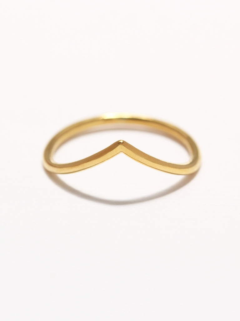 VENUS Chevron Ring 16.8k Yellow Gold Dip