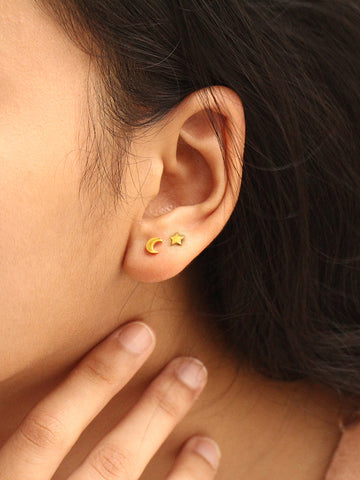 CRESCENT MOON & STAR Ear Studs 16.8k Yellow Gold Dip