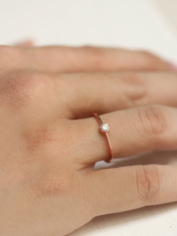 MOONLIGHT SOLO Zirconia Ring 14k Rose Gold Dip
