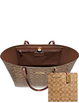 Coach Town Tote in Signature Canvas