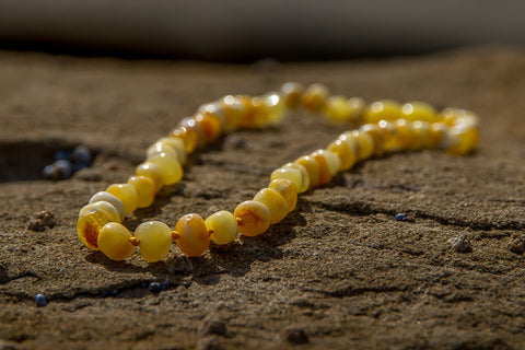 Childrens Amber Teething Necklace - Butter Baroque