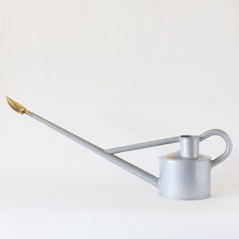 long reach outdoor watering can | 4.5 litre