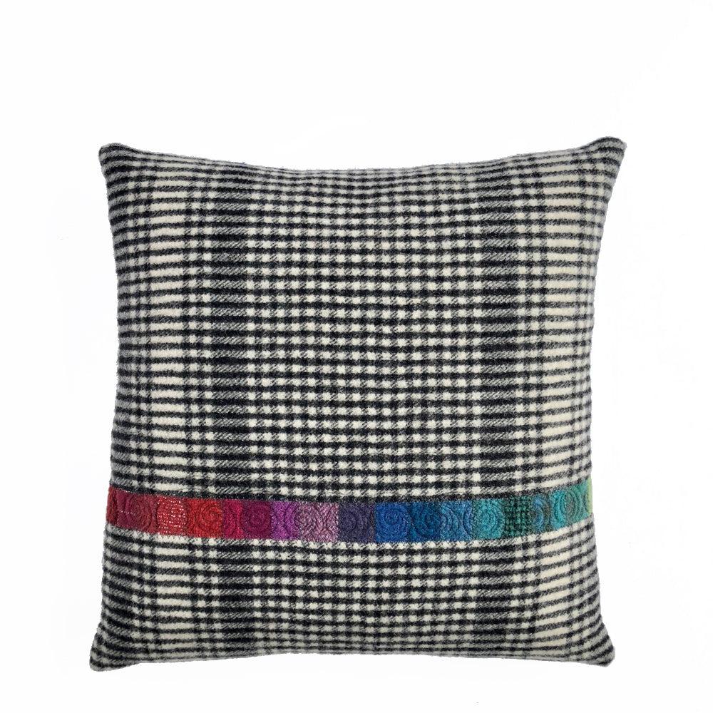 Solola Cushion • 18x18 (C-IX)