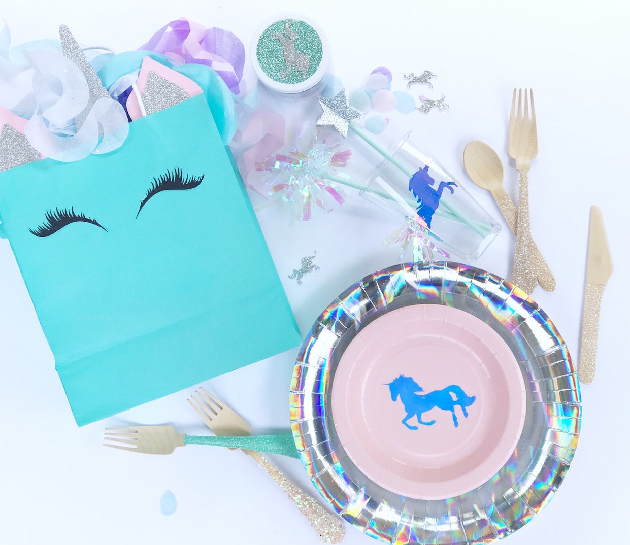 Unicorn party decorations by Republic Of Party