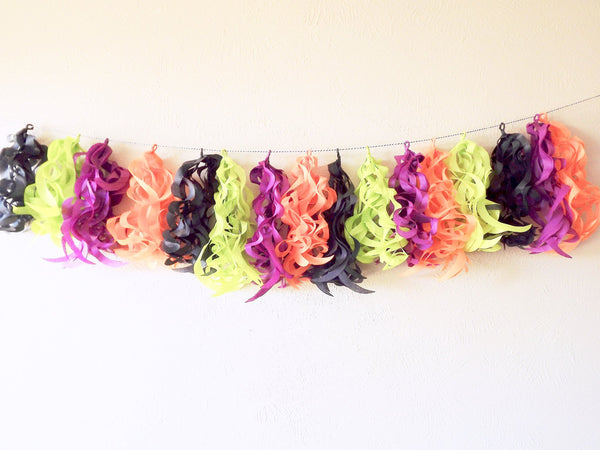 Halloween paper tassel garland for a Halloween party